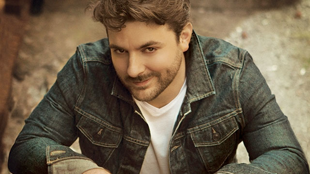 Chris Young Christmas.Go Country 105 Win Tickets To See Chris Young